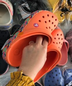 crocs band cam de phoi