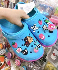 crocs xanh de hong
